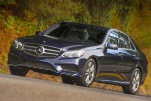 Mercedes Classe E, une des voitures disposnibles avec La centrale des chauffeurs.